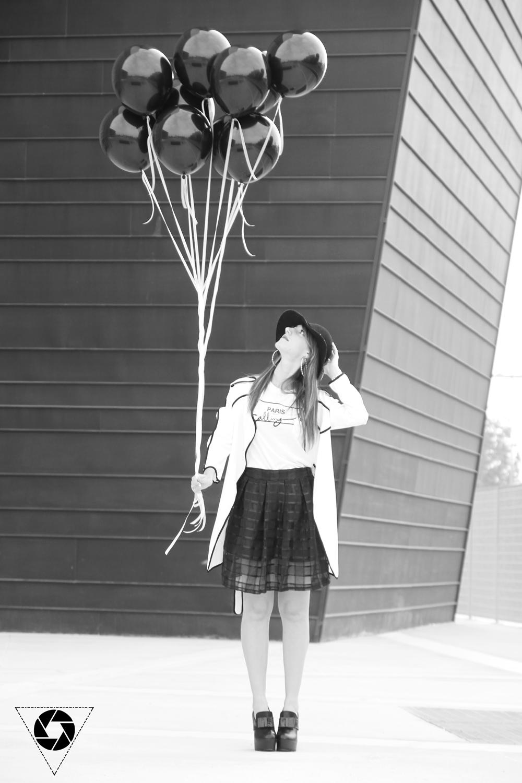 Outfit bianco e nero tra mille palloncini for Dipinti moderni bianco e nero