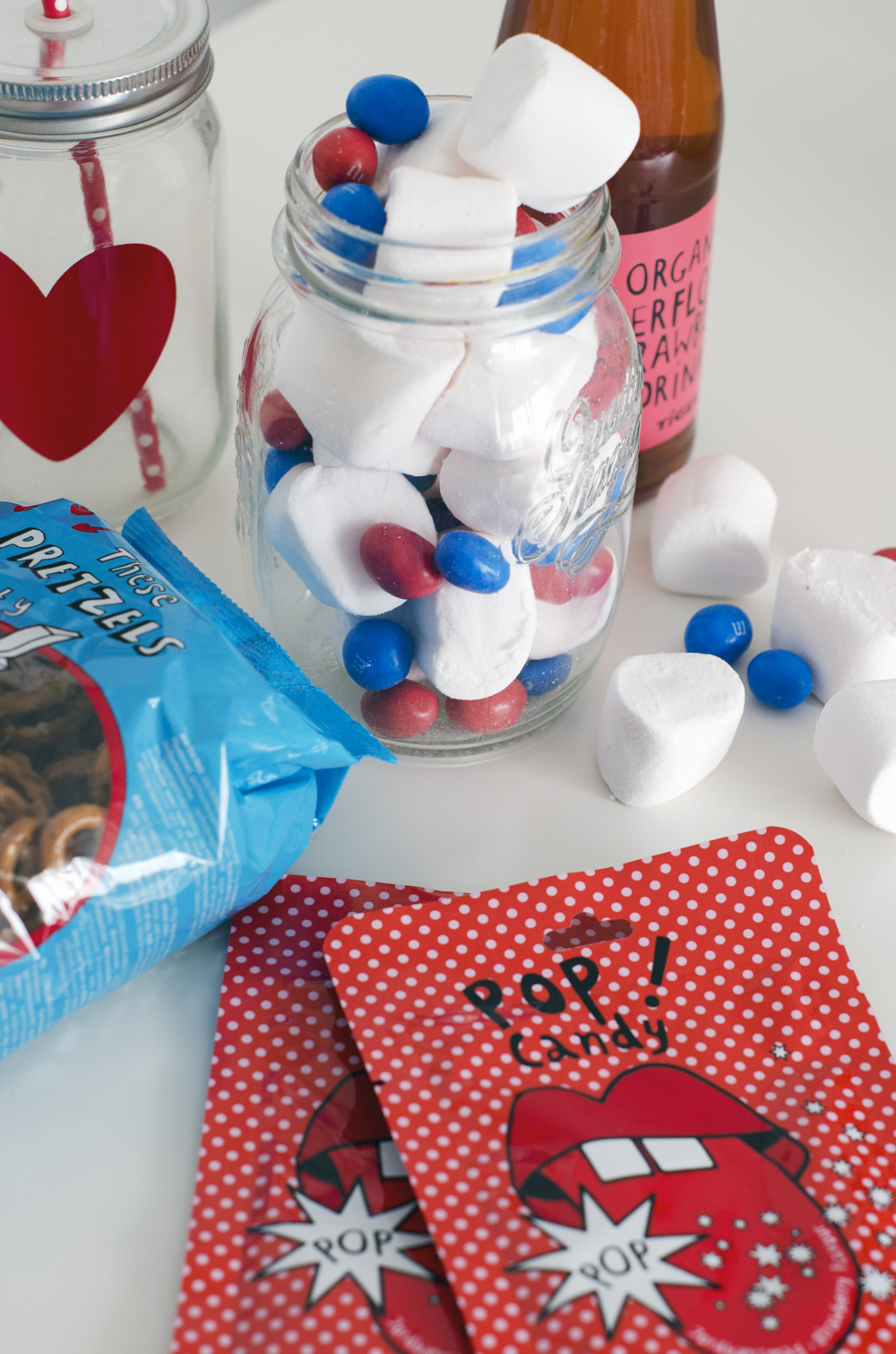 San valentino fai da te film romantici e pop corn con il movie basket for Decorazioni san valentino fai da te
