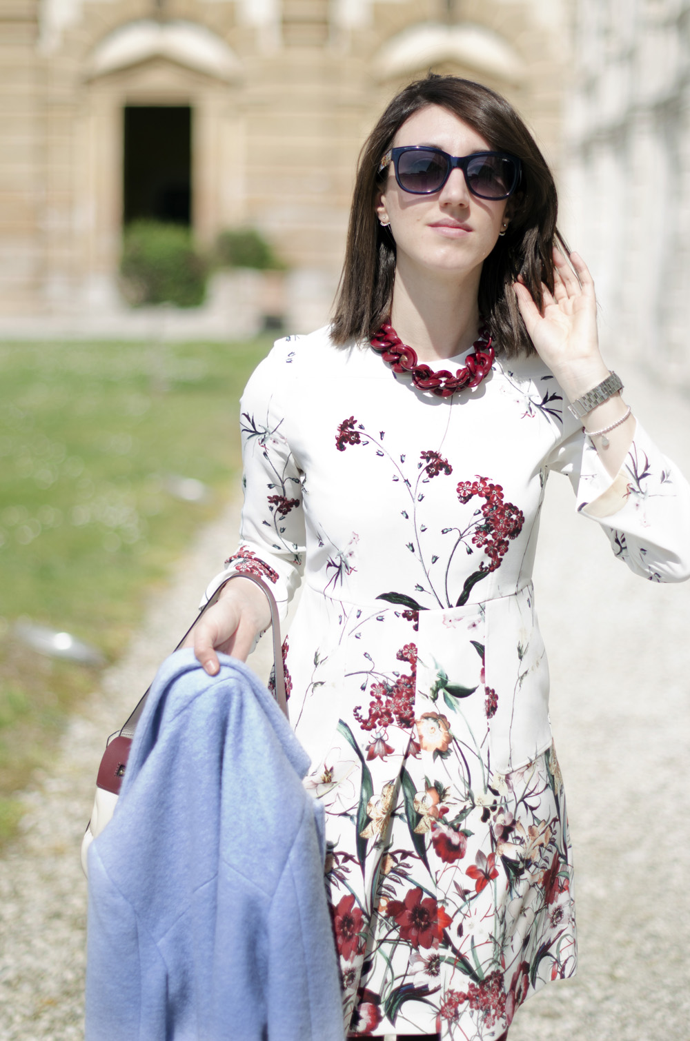 it Un vestito a fiori per la primavera