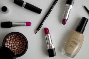 avon cosmetici | concorso avon |rossetto rosso |rossetto rosa