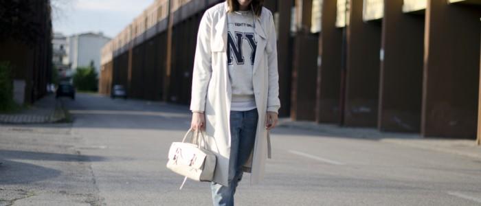 normcore outfit | normcore look-boyfriend jeans | borsa coccinelle