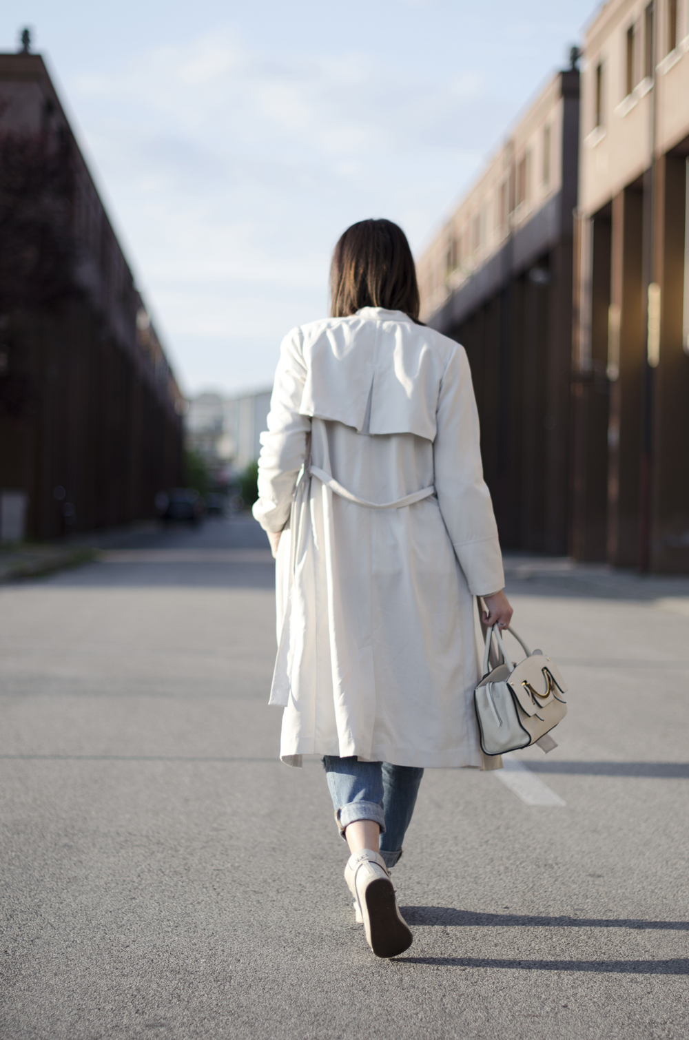 trench outfit | trench lungo | boyfriend jeans outfit