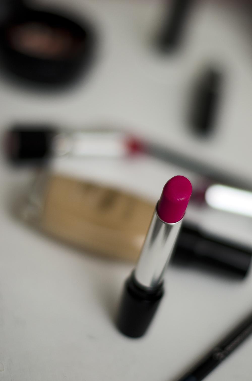 rossetto perfetto   rossetto rosa fucsia   rossetto a lunga durata