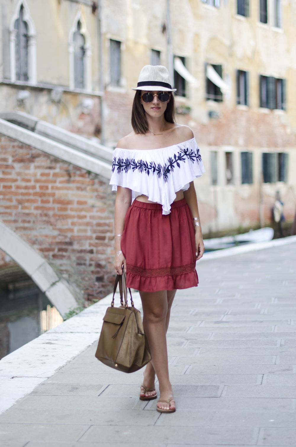 this is ugg | look venezia estate