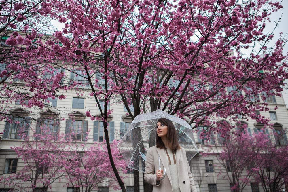 Jeans a zampa, Milano, pioggia e fashion week