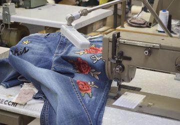 Anna Cristy: scoprendo il Made in Italy tra jeans con patch e nuove collezioni