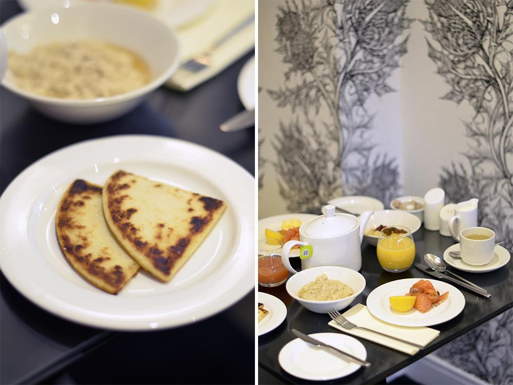 colazione scozzese con potato scones e salmone