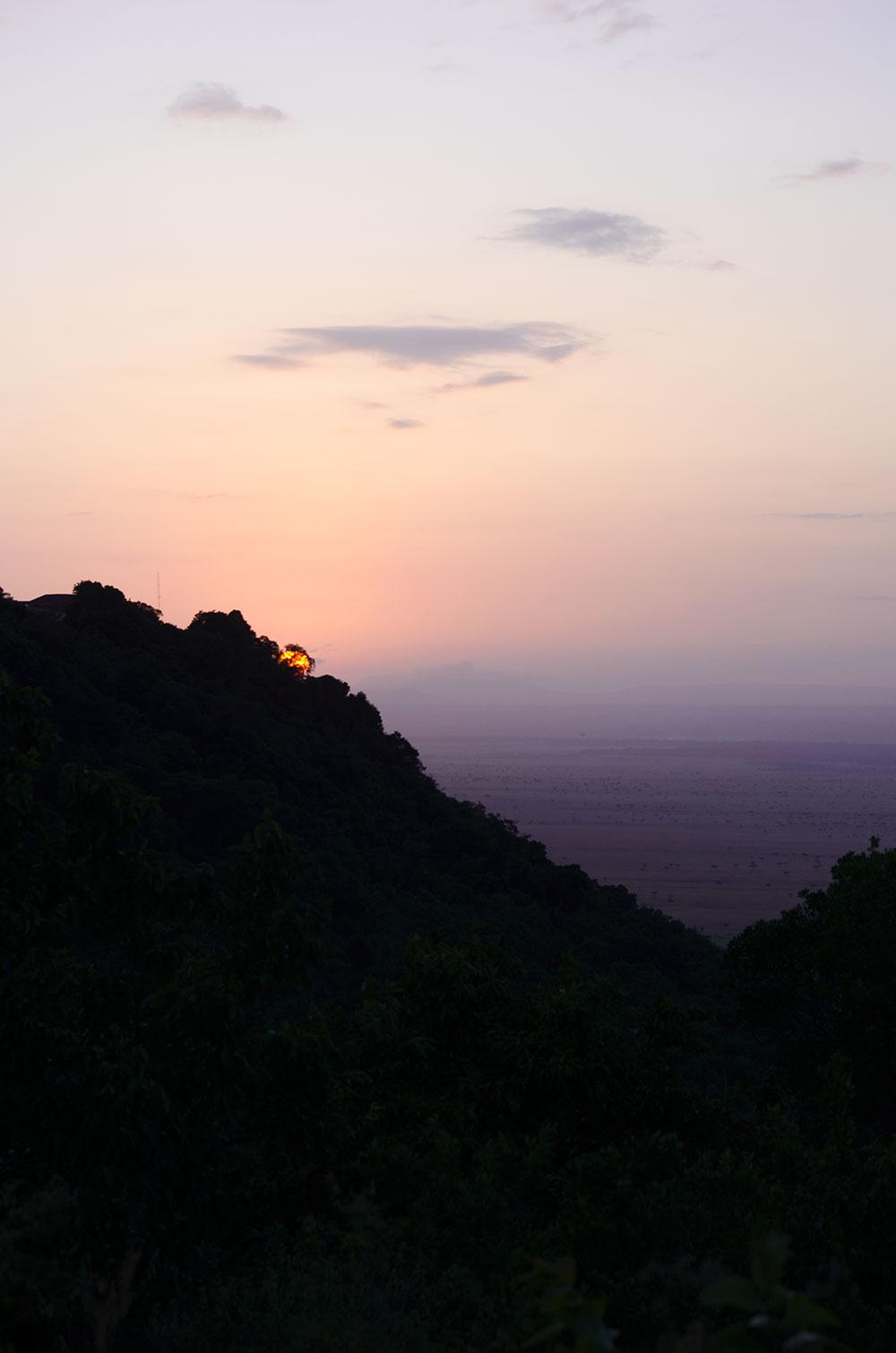 come organizzare un viaggio in kenya: l'alba sulla savana