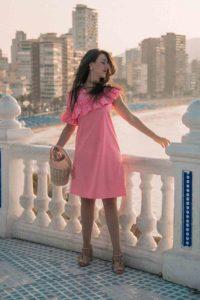 vestito rosa con rouches outfit
