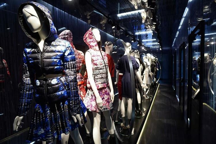 buy online 0d2e1 d88e4 Acquistare online direttamente dal negozio: Pinko Hybrid Shop