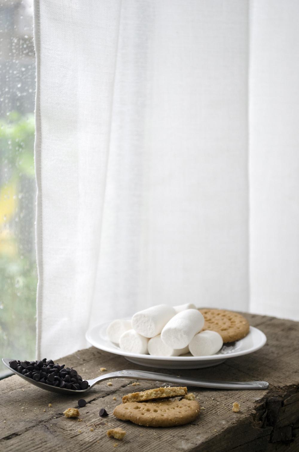 ingredienti torta in tazza | cioccolato e biscotti per torta