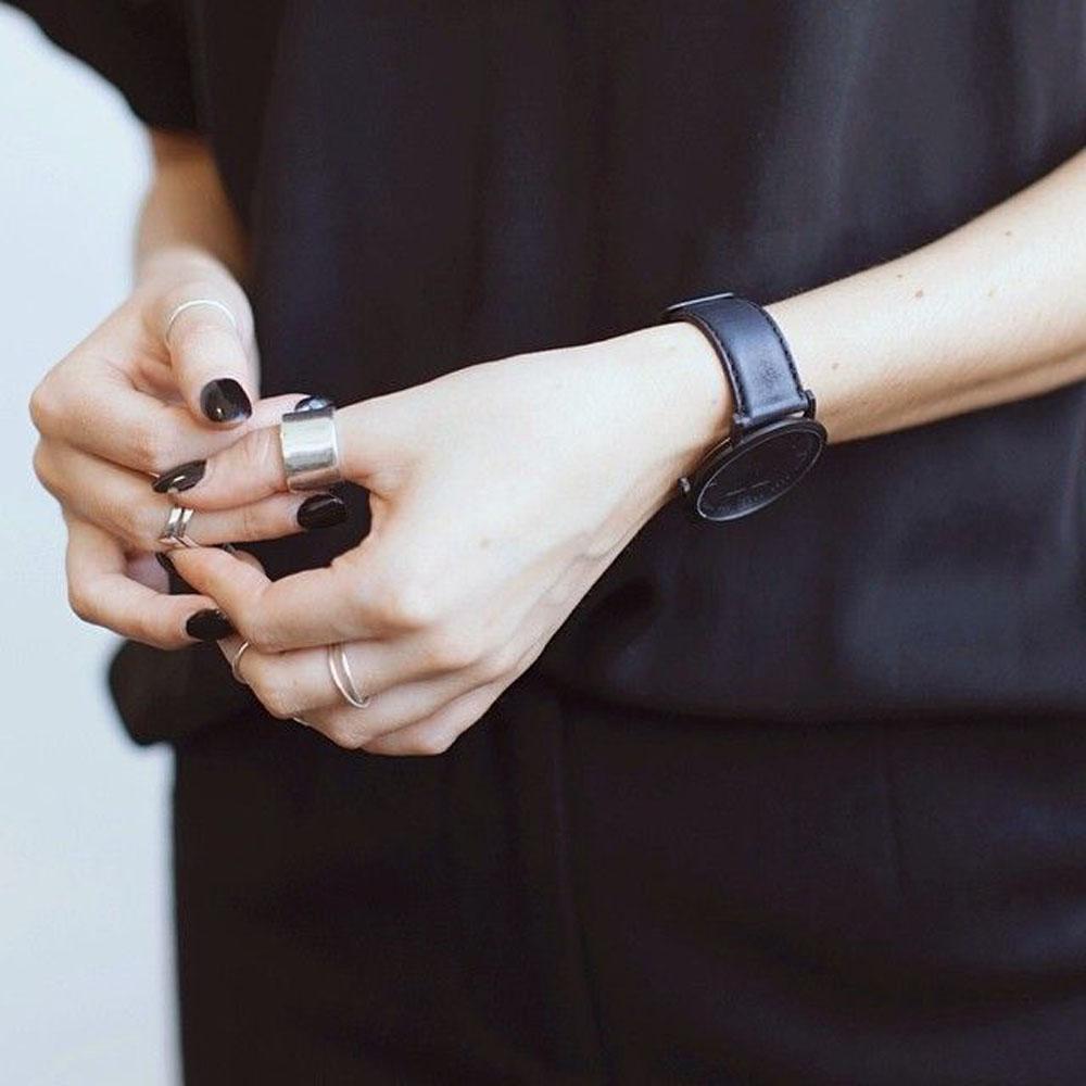 come indossare i gioielli minimal